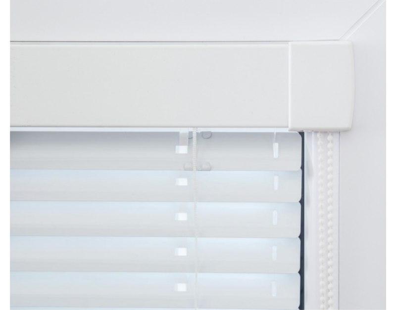 Žaluzie Isoline je léta vyráběný model interiérové žaluzie pro plastová okna